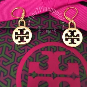 ✅🆕 TORY BURCH LOGO CHARM GOLD EARRINGS
